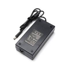 Cargador AC ALTERNATIVO 19.5V 7.7A 150W 7.4mm Aguja o Pin Central PA-15 para Notebook DELL